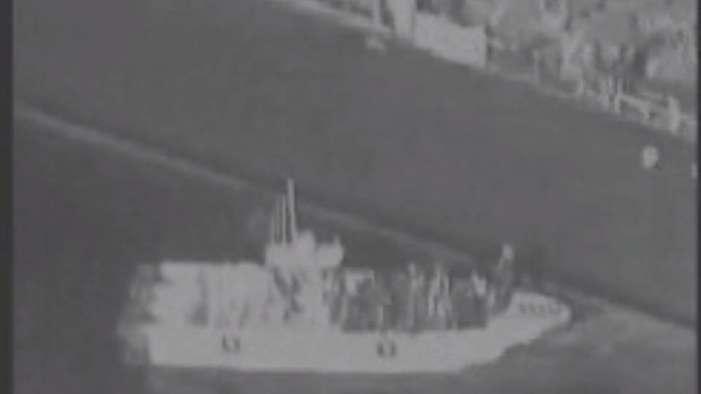 الجيش الأميركي ينشر فيديو لقارب إيراني قرب الناقلة اليابانية