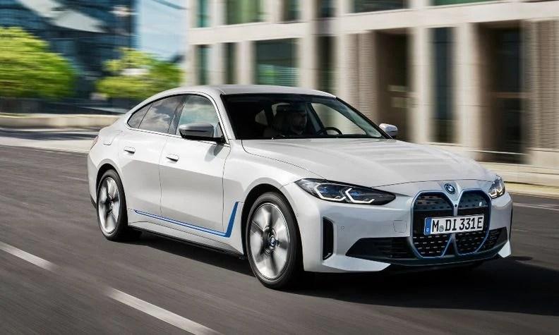 ستطلق BMW أيضًا سيارة السيدان الكهربائية i4 في وقت لاحق من هذا العام.