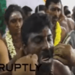 هندوس يخرمون أجسامهم  أثناء مهرجان ثايبوسام