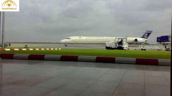 راكبة مصرية تهدِّد بتفجير طائرة في مطار جازان