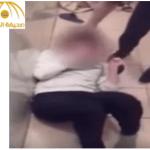 بالفيديو : طالبة روسية تتعرض لهجوم وحشي من زميلاتها في حمام المدرسة