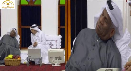 بالفيديو: حمود سلطان ينام على الهواء مباشرة