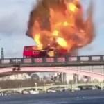 بالفيديو: انفجار عنيف ينسف حافلة في لندن