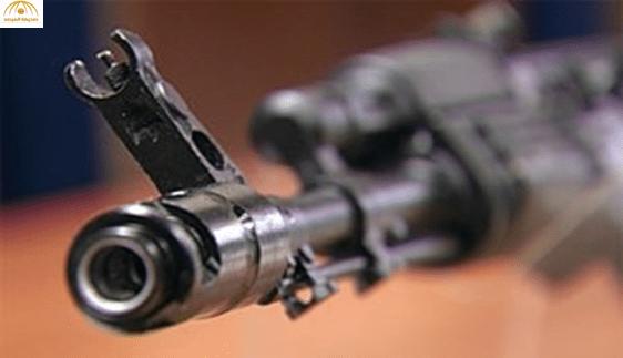 ملثمون يطلقون 7 رصاصات على مواطن كان برفقة ابنه في العوامية