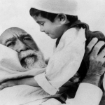 """بالصور: هل تذكرون الطفل الذي مثّل مع """"عمر المختار"""" ؟ شاهدوا كيف أصبح اليوم"""