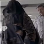 بالفيديو:الفنان أسعد الزهراني يسترق النظر على جسد الفنانة مروة