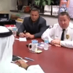 بالفيديو : الشرطة الأمريكية تعتذر إلى رجل الأعمال الإماراتي