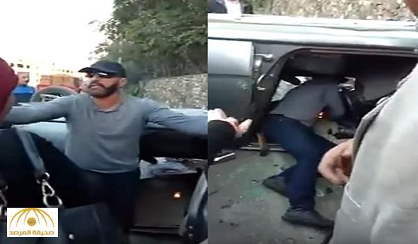 وسط تصاعد الدخان .. بالفيديو : الفنان أحمد السقا ينقذ فتاة مصرية من الموت