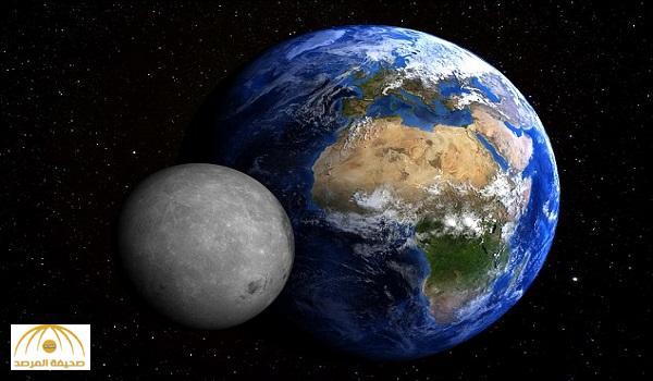 """""""حدث كارثي"""" .. عالِم كواكب يكشف: هذا ما سيحصل للأرض إذا اصطدم بها القمر"""