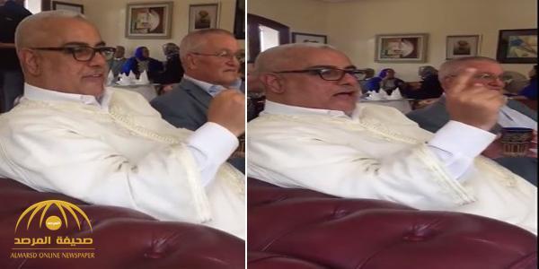 شاهد: بن كيران يغني لأم كلثوم  أثناء  جلسة مع الأصدقاء!