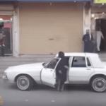 """شاهد.. سعودية تقود سيارة """"كابريس"""" وتضغط على """"المنبه"""" في أحد شوارع المملكة!"""