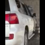 شاهد : مجهولون يحرقون سيارة معلم أمام منزله بجدة