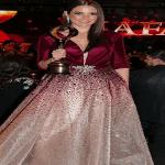 """الممثلة التونسية """"درة"""" تحصد جائزة أفضل إطلالة في مهرجان """"ضيافة"""" لعام 2018 بدبي-صور"""