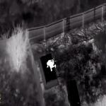 بالفيديو: الشرطة الأمريكية تطارد متهم هارب أسود بطائرة هليكوبتر وتطلق النار عليه بكثافة