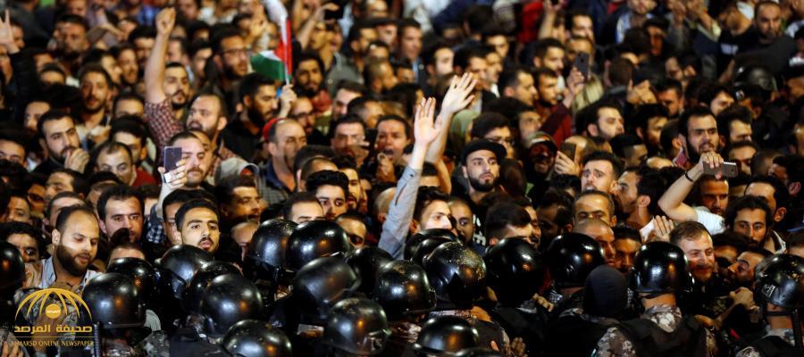 بالفيديو .. الأردن يعرض صور 8 أشخاص من جنسيات عربية شاركوا في الاحتجاجات