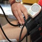 تعرف على 9 علامات خطيرة قد تكون مؤشرا لنوبة قلبية