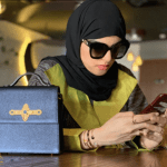 """شاهد: سارة الودعاني تفاجئ متابعيها  وتثير ضجة بعد نشر صورتها بدون حجاب على  """"سناب شات"""""""