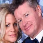 قصة مليونير بريطاني اكتشف عقمه بعد إنجاب 3 أبناء