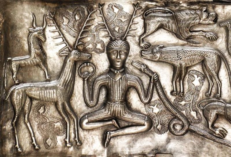 الإله الذكر صاحب القرنين (المصدر ويكيبيديا)