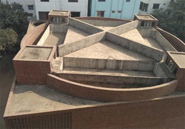 التصميم الخارجي لسطح مسجد بيت الرؤوف من تصميم مارينا تبسم