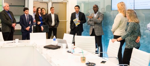 Andrew Yang visits with the Alabama Power Innovation Team. (Billy Brown/Alabama NewsCenter)
