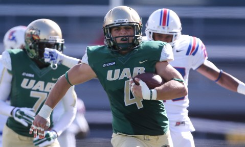 As an inside linebacker at UAB, Jake Ganus led the Blazers in tackles in 2014. (UAB)