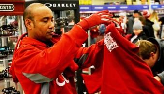 Shoppers make their way through Academy. (Solomon Crenshaw Jr./Alabama NewsCenter)