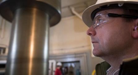 Officials inspect an Alabama Power dam at Smith Lake. (Wynter Byrd/Alabama NewsCenter)