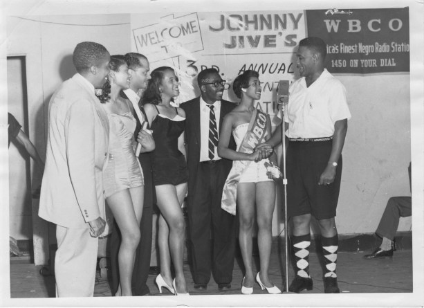 """Johnny Jive hosts the """"Platter Queen"""" contest for WBCO-AM 1450 in 1958. (contributed)"""