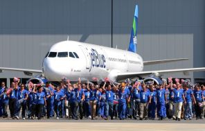 Employees celebrate during the delivery ceremony Monday, April 25 for JetBlue A321 – the first Airbus aircraft produced at Airbus U.S. Manufacturing Facility in Mobile, Ala. (Mike Kittrell/Alabama NewsCenter)