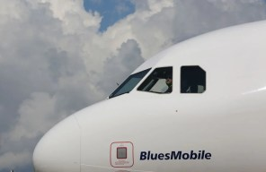 A delivery ceremony is held Monday, April 25 for JetBlue A321 Ð the first Airbus aircraft produced at Airbus U.S. Manufacturing Facility in Mobile, Ala. (Mike Kittrell/Alabama NewsCenter)