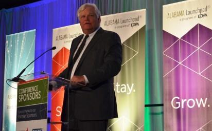 Steve Spencer, president of EDPA, speaks at the Alabama Innovation Awards. (Michael Tomberlin / Alabama NewsCenter)