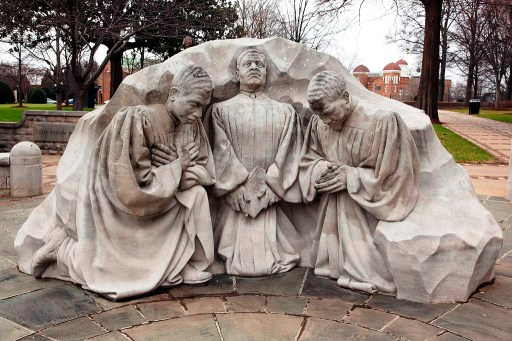 The kneeling ministers statue at Kelly Ingram Park. (Carol Highsmith/Library of Congress)