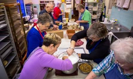 Putting hand-made love into candy at Punta Clara Kitchen in Point Clear. (Mark Sandlin / Alabama NewsCenter)
