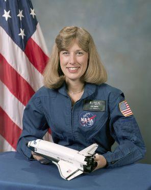 Astronaut Nancy Jan Davis, payload commander, 10/9/1987. (Wikimedia, NASA)
