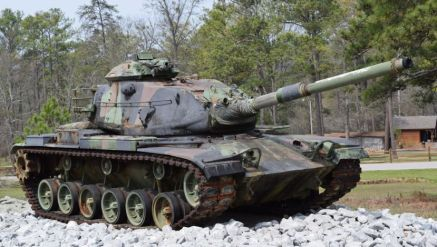 Get an up-close view of an Army tank. (Donna Cope / Alabama NewsCenter)