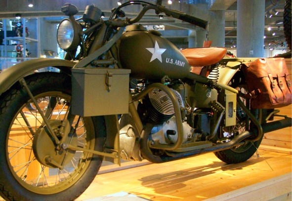 An Indian 841 at the Barber Vintage Motorsports Museum, 2007. (Chuck Shultz, Wikimedia)