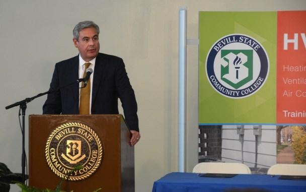 Alabama Power CEO Mark Crosswhite speaks during the ceremony. (Karim Shamsi-Basha / Alabama NewsCenter)