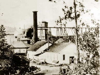 An Alice Furnace Company facility in Birmingham, ca. 1880. The company was at the forefront of practical iron production in Jefferson County during the late nineteenth century. Industrialist Enoch Ensley bought the company during the early 1880s. (From Encyclopedia of Alabama, Courtesy of Birmingham Public Library Archives)