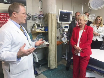 Alabama Gov. Kay Ivey, right, tours the USA Medical Center. (Daniel Sparkman/Governor's Office)