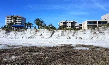 Erosion of the beach at Jackonsville, Florida, caused by Hurricane Matthew in October 2016. (NOAA)