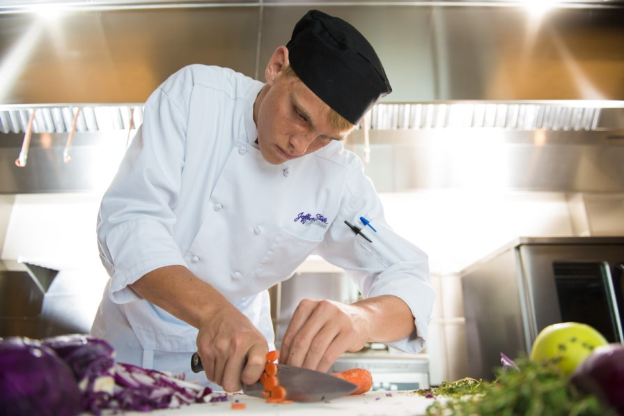 Duffett's smooth chopping makes cooking seem like a breeze. (Phil Free/Alabama NewsCenter)