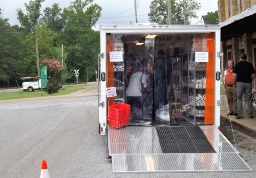 Shoppers step into the trailer. (Donna Cope/Alabama NewsCenter)