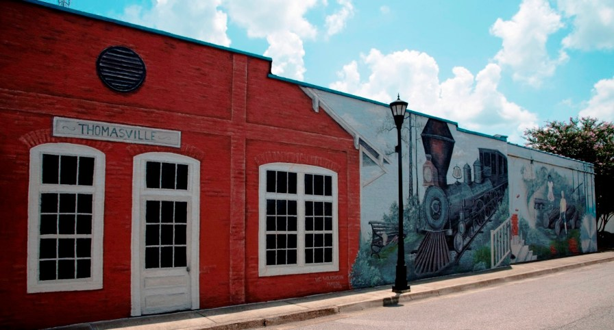 Leaders and residents have put a lot of effort into improving downtown Thomasville. (Brittany Faush-Johnson/Alabama NewsCenter)