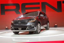The Kia Motors Corp. 2019 Sorento sports utility vehicle (SUV) is unveiled during AutoMobility LA. (Patrick T. Fallon/Bloomberg)