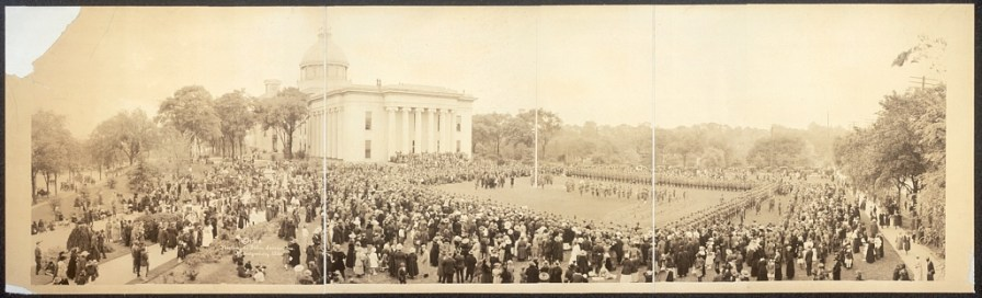 Capital grounds, flag dedication, Montgomery, April 11, 1918. (Richards Film Service, Library of Congress Prints and Photographs Division)