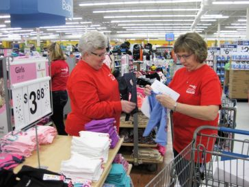 Gorgas APSO's Penny Graham (left), Jasper Office, and Debra Martin, Jasper Crew Headquarters, shopped together. (Terri Black)
