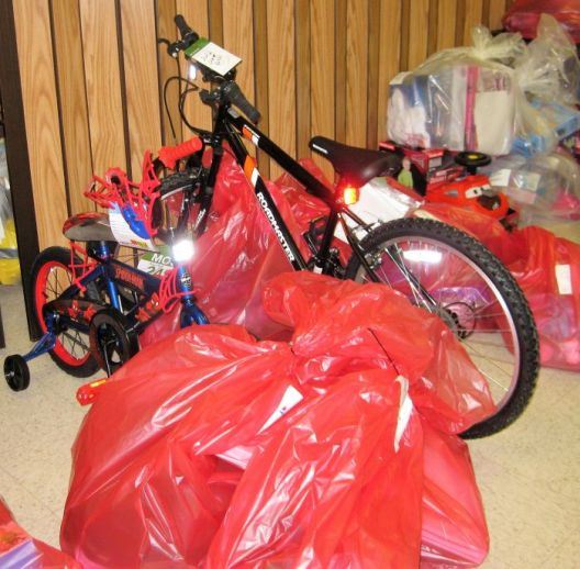 Gorgas gifts were packaged with care: red bags were for the Salvation Army, and green sacks were for the Jasper DHR. (Terri Black)