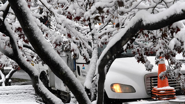 Surprising, early season snowstorm results in power outages, slick roads in Alabama