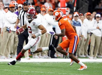 Alabama quarterback Jalen Hurts (2) during Alabama's semifinal defeat of the Clemson Tigers. (Crimson Tide Photos)